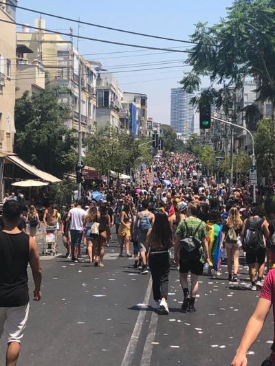 Rues pleine de monde pour la Gay Pride 2019