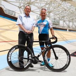 Sylvan Adams, milliardaire canadien, finance l'equipe de cyclisme israelienne Israel Startup Nation