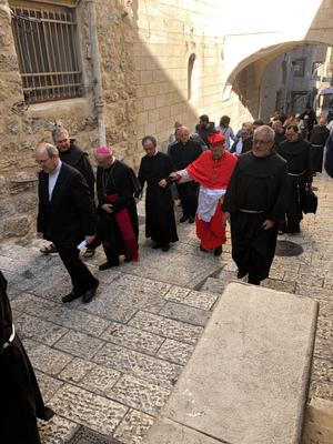 Religieux sur la Via Dolorosa a Jérusalem